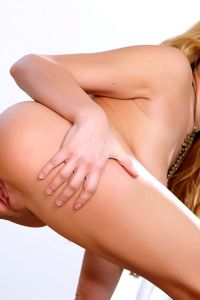 Stunning Blonde Bailey Rayne – Just Natural Gorgeousness
