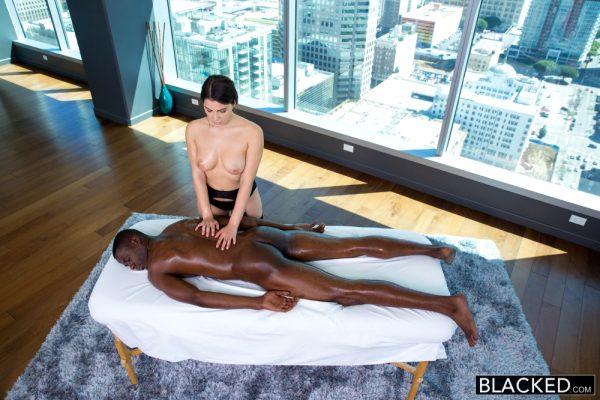 valentina-nappi-sexy-italian-babe-rimming-black-man-with-passion_004